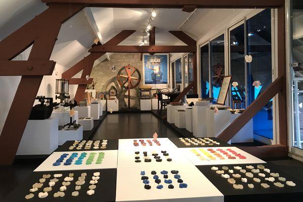Le musée est riche de12000 outils et autres objets d'art populaire de la France entière, ainsi que de 250 mètres linéaires d'archives.