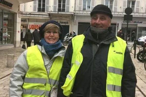 Claudie et Jean-Michel ont 64 et 68 ans. Ils se sont trouvés pendant les manifestations.
