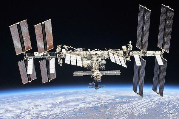 La Station spatiale internationale est utilisée par les agences spatiales américaine, russe, européenne, japonaise, et canadienne.