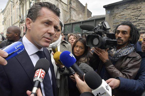 Soutien d'Alain Juppé pour la primaire, Christophe Béchu annonce qu'il se retire de la campagne de François Fillon (ici à Angers en octobre 2016).