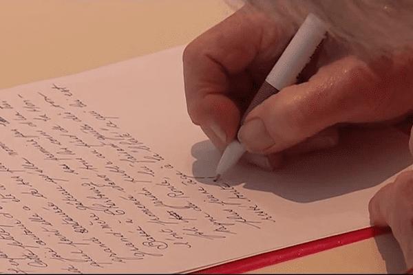 """Poser les mots sur son parcours grâce aux ateliers proposés par l'association """"Histoire d'écrire"""""""
