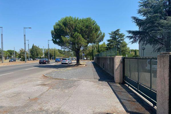 Les policiers procédaient à un contrôle routier, avenue des Moulins à Montpellier.