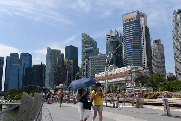 A Singapour, pas de confinement général, mais un confinement strict pour les personnes atteintes du Covid 19.