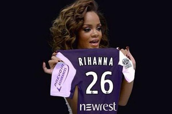 Photomontage d'un maillot du TFC au nom de la chanteuse Rihanna