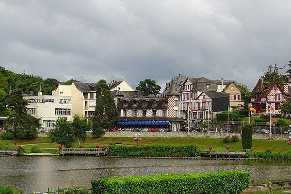 Les nuages prédomineront tout au long de ce LUNDI dans le ciel de Bagnoles-de-l'Orne.
