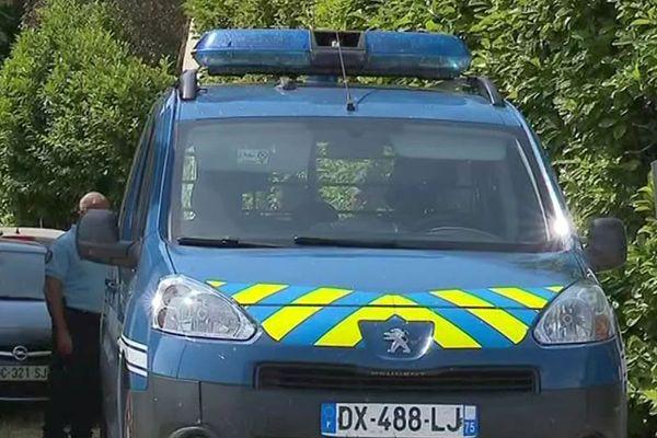 Les Rives (Hérault) - la gendarmerie sur les lieux du double meurtre - 18 juillet 2019.
