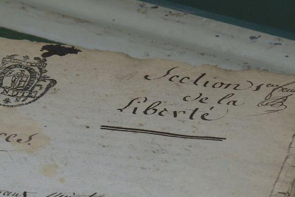 Des documents rares comme ce Cartulaire du Consulat de Limoges du XIIe siècle sont consultables sur le site des archives de Limoges