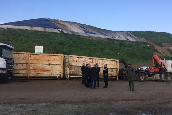 Crise des déchets : malgré la réquisition de la préfecture de Corse, le centre d'enfouissement de Prunelli di Fium'Orbu était toujours partiellement bloqué jeudi 15 novembre.
