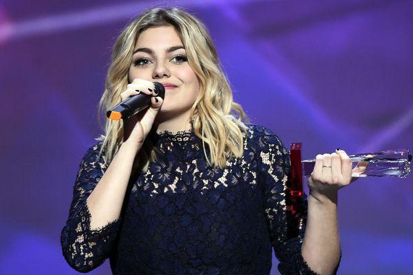 """Louane, lauréate du meilleur album révélation lors des Victoires de la Musique en février 2013 avec son album """"Chambre 12"""""""