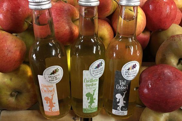 Les trois jus de pomme de la Pommeraie d'Oxelaëre médaillés au Concours général agricole.