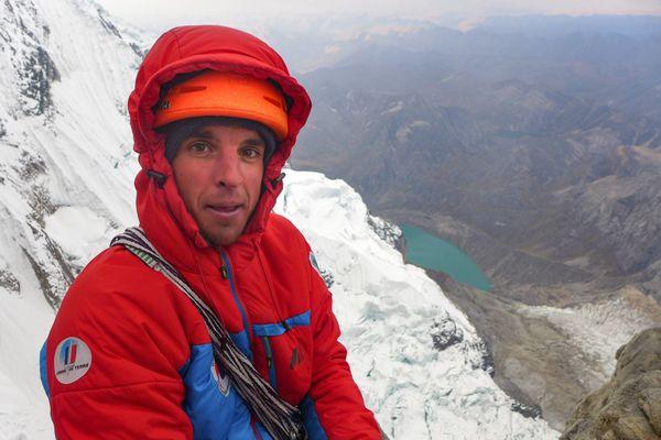 Max Bonniot, originaire de Briançon, est mort à Chamonix, dans le massif du Mont-Blanc au pied de l'Aiguille du Plan.