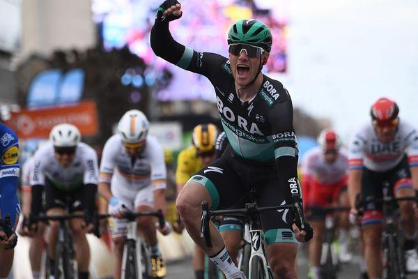 C'est Sam Bennett, coureur irlandais membre de l'équipe Bora-Hansgrohe qui a remporté, mardi 12 mars, la troisième étape du Paris-Nice.