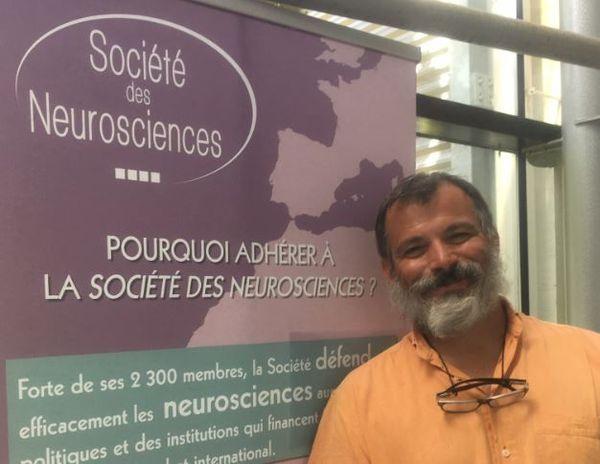 Le chercheur de l'Inserm Bordeaux, Giovanni Marsicano et son équipe ont identifié pour la première fois chez la souris les mécanismes cérébraux qui sous-tendent la relation entre cannabis et diminution de la sociabilité.