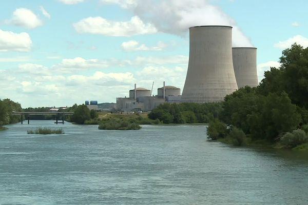 Centrale nucléaire de Golfech, sur les bords de la Garonne, à la frontière avec le Lot-et-Garonne. Juin 2020 -