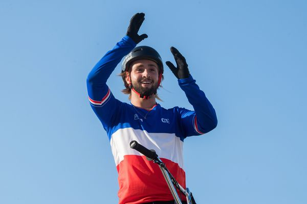 Après celui de champion de France il y a quelques semaines, Anthony Jeanjean du club Passion BMX de Sérignan est le premier champion d'Europe de l'histoire du Bmx Freestyle -13 October 2019.