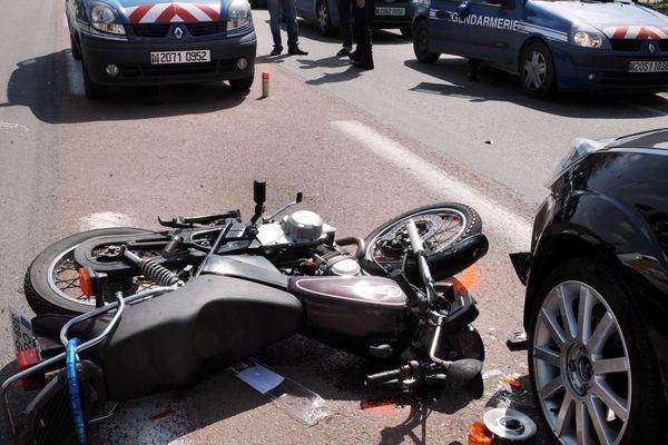La mortalité des conducteurs de deux-roues est particulièrement importante dans les chiffres des accidents de la route.