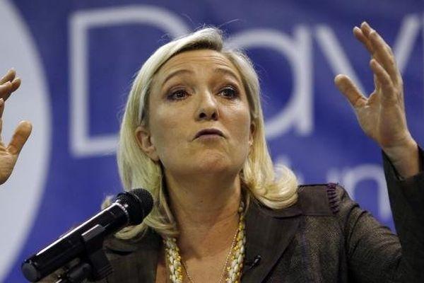 La présidente du Front national, Marine Le Pen, le 18 mars 2014 à Fréjus (Var).