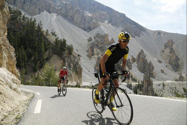 Le sommet du col d'Izoard était l'arrivée de l'étape du 20 juillet du Tour de France. Le col sera ouvert aux cyclistes le 27 juillet et 31 août prochain.