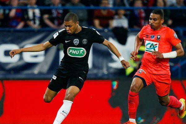 Le Stade Malherbe de Caen éliminé de la Coupe de France par le PSG grâce à un doublé de Kylian Mbappe.