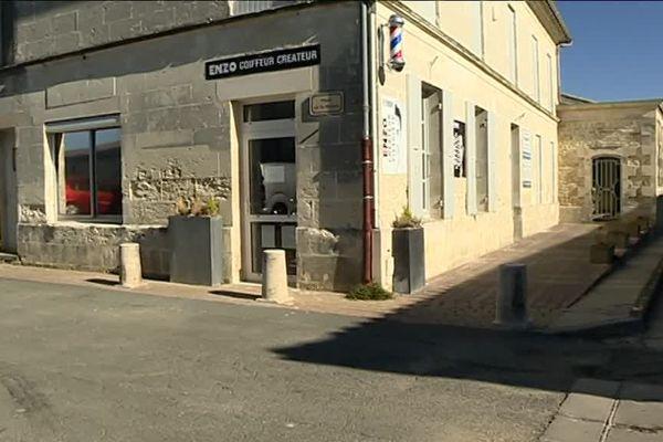Le salon de coiffure est le commerce le plus récent installé dans le village d'Epargnes en Charente-Maritime.
