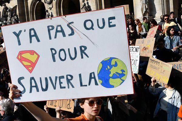 Manifestation de la jeunesse pour le climat à Paris le 22 février dernier.