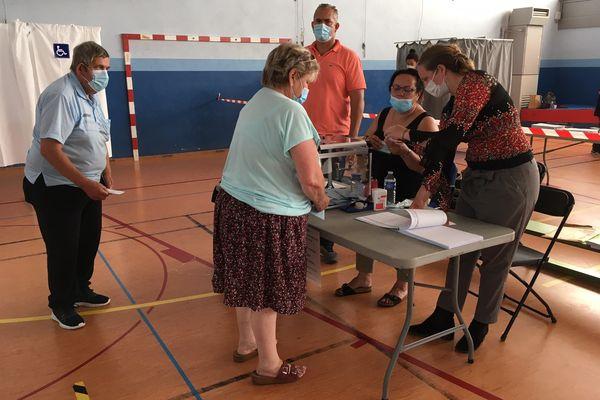 Le vote au centre socio-culturel (CSC) du Neuhof.