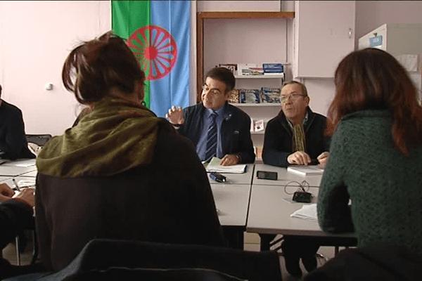 """Lyon - Création d'un observatoire des """"dérives"""" de l'état d'urgence - 19/1/16"""