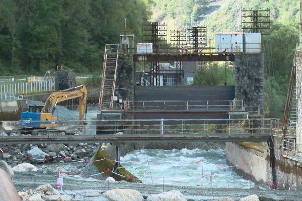 Les travaux de déconstruction des 5 barrages qui traversaient La Romanche depuis le début du 20e siècle ont débuté
