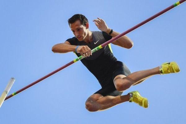 Renaud Lavillenie toujours aussi haut dans le ciel !