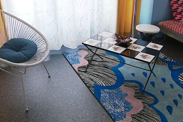Véronique et Nicolas Willeman ont meublé leur maison en respectant à la lettre le style des années 50.