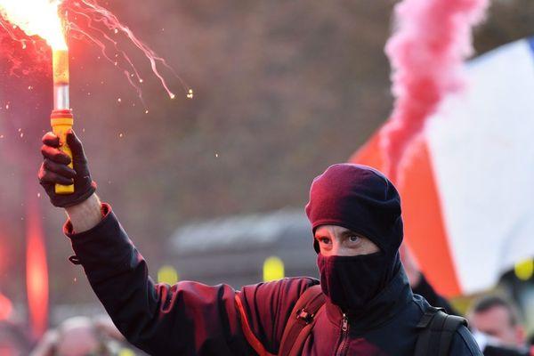 Un pompier, lors de la première manifestation nationale à Paris, le 15 octobre dernier - Photo d'illustration