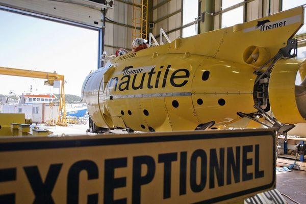 Le Nautile est l'un des rares sous-marin scientifique capable de descendre jusqu'à 6000 mètres de profondeur.