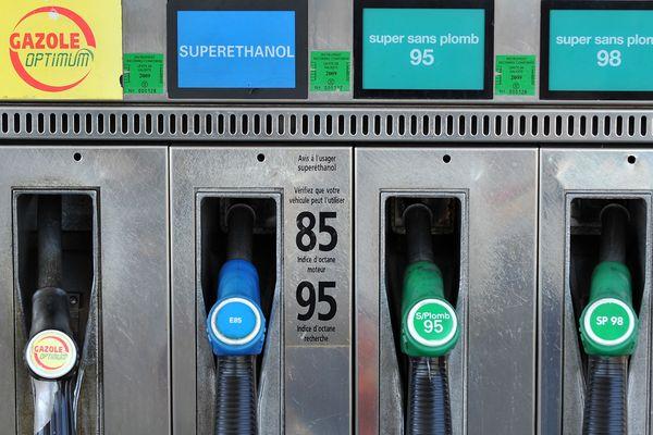 Face à la hausse du gasoil et de l'essence, des solutions plus économiques existent comme le superéthanol.