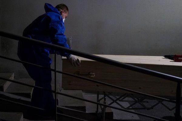 Vingt personnes au maximum sont autorisées à assister à l'inhumation dans les cimetières. (Illustration)