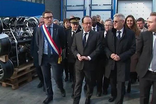 Le chef de l'Etat visite la société Ardennaise d'Essieux - Ham-les-Moines (Ardennes)