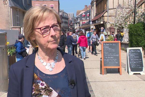 Catherine Millet, maire d'Etretat le 20 avril 2019