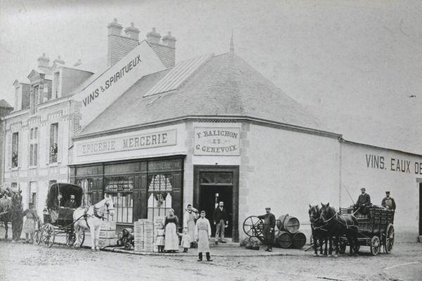 La famille de Maurice tenait commerce à Châteauneuf-sur-Loire
