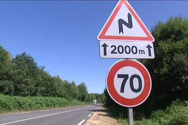 La RN 147 entre Poitiers et Limoges n'a guère évolué en 30 ans. Alors lassés d'attendre une voie express sans cesse repoussée, des entrepreneurs se sont réunis en collectif pour promouvoir la réalisation d'une autoroute payante.