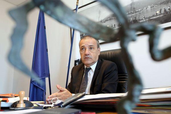 Jean-Guy Talamoni, dans son bureau à la Collectivité de Corse