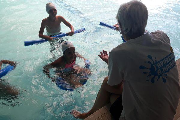 Du 9 juillet au 4 août, les jeunes locataires de 13 Habitat vont pouvoir apprendre à nager