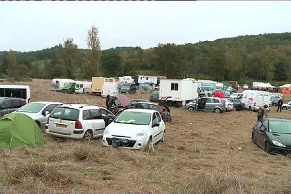 Le célèbre site de Sivens accueille ce samedi une rave-party installée illégalement.