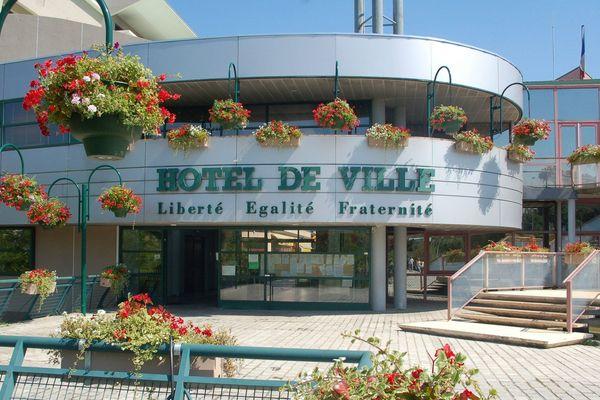 La mairie de Villefontaine en Isère