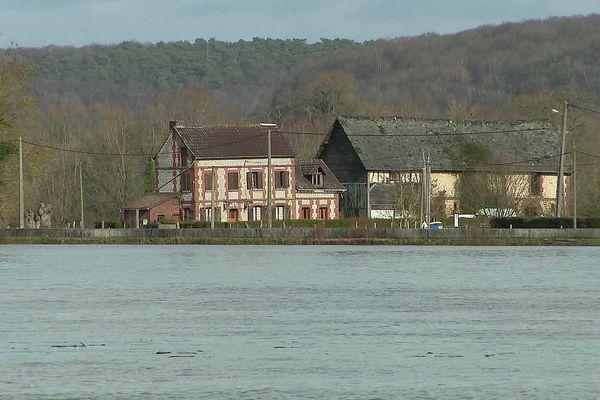 Maisons dans les boucles de la Seine