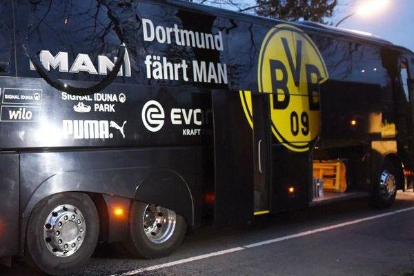 Le bus du Borussia, visé par trois engins explosifs