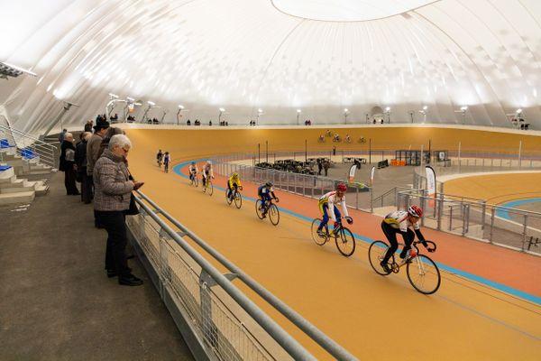 L'intérieur du vélodrome Raymond Poulidor