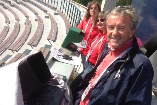 Serge Didier est un des plus anciens marqueurs du tournoi de Roland Garros. Son rôle : inscrire les points ainsi que de nombreuses données d'une rencontre pour les afficher au public et les relayer aux serveurs d'IBM qui transmet toutes les statistiques aux télévisions, sites internet...