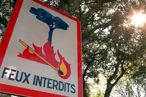 En raison du risque d'incendie dans le département du Cantal, la préfecture a pris un arrêté renforçant la réglementation des feux, à compter du mercredi 24 juillet et jusqu'au 15 septembre inclus.