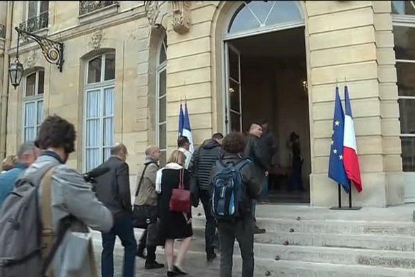 Les représentants syndicaux de Whirlpool reçus à Matignon ce jeudi 13 avril.