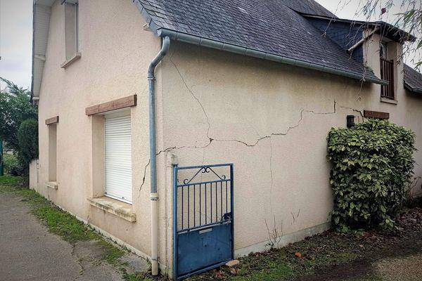 Maison fissurée à Pont-Péan (Ille-et-Vilaine)