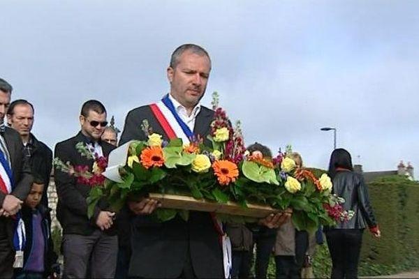 Denis Thuriot, maire de Nevers, rend hommage à Pierre Bérégovoy